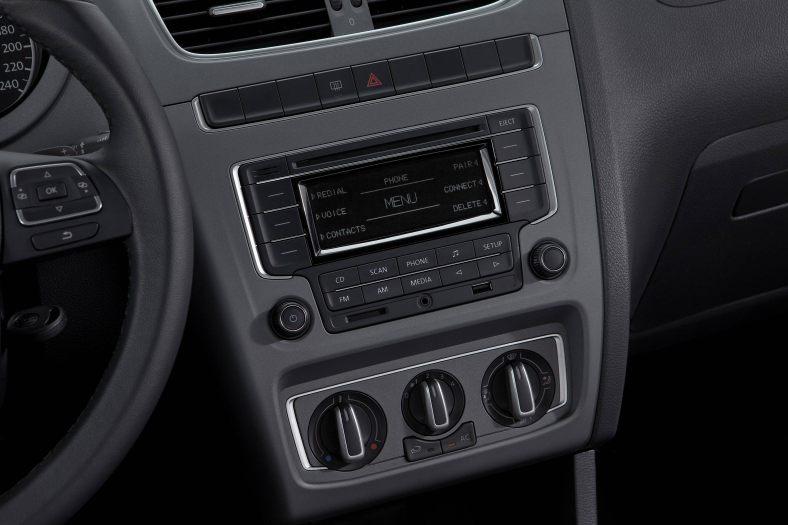 Volkswagen-Fox-Highline-1.6-2013-11