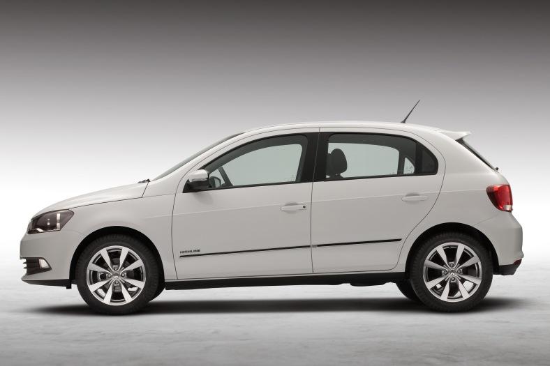 Volkswagen-Gol-Highline-1.6-2013-03