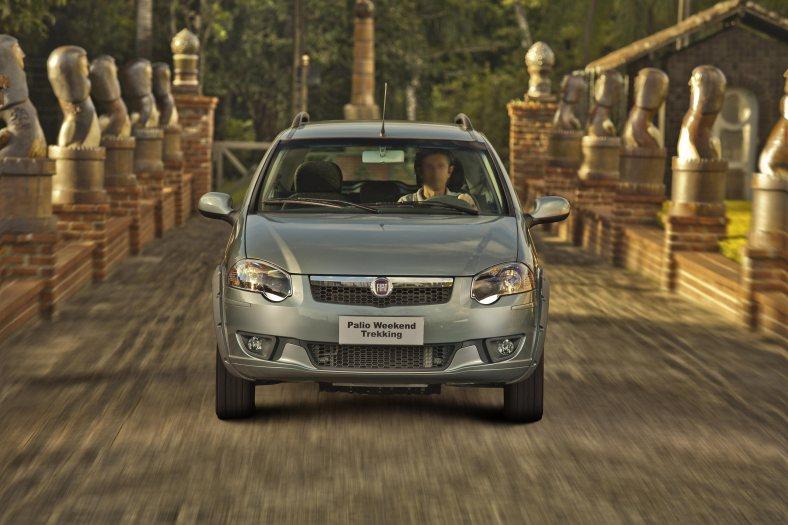 Fiat Palio Weekend Trekking 2012 (4)