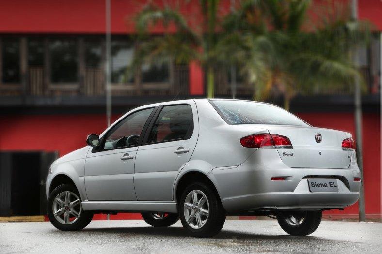 Fiat Siena EL 1.0 2012 (2)