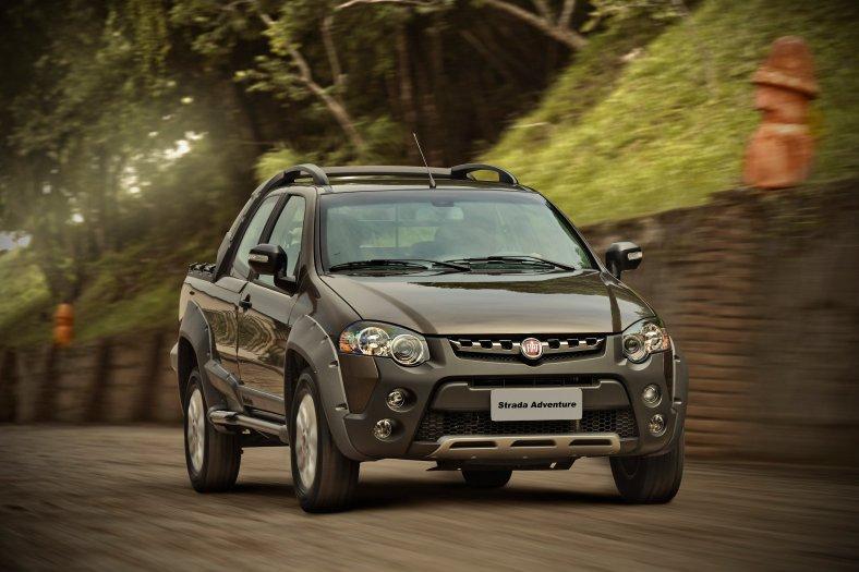Fiat Strada Adventure Cab. Dupla 2012 01